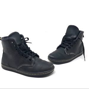 Dr. Martens High Top Black sneaker